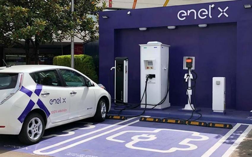 ENEL X inició la construcción de la segunda electrolinera Unicentro Bogotá