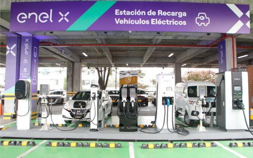 La superioridad de la nueva electrolinera de Unicentro Bogotá