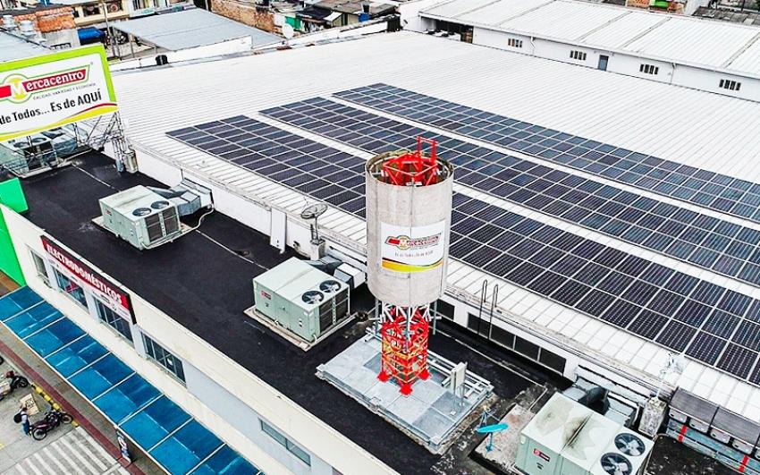 En Ibagué, Celsia instala el primer techo solar para la cadena de supermercados Mercacentro