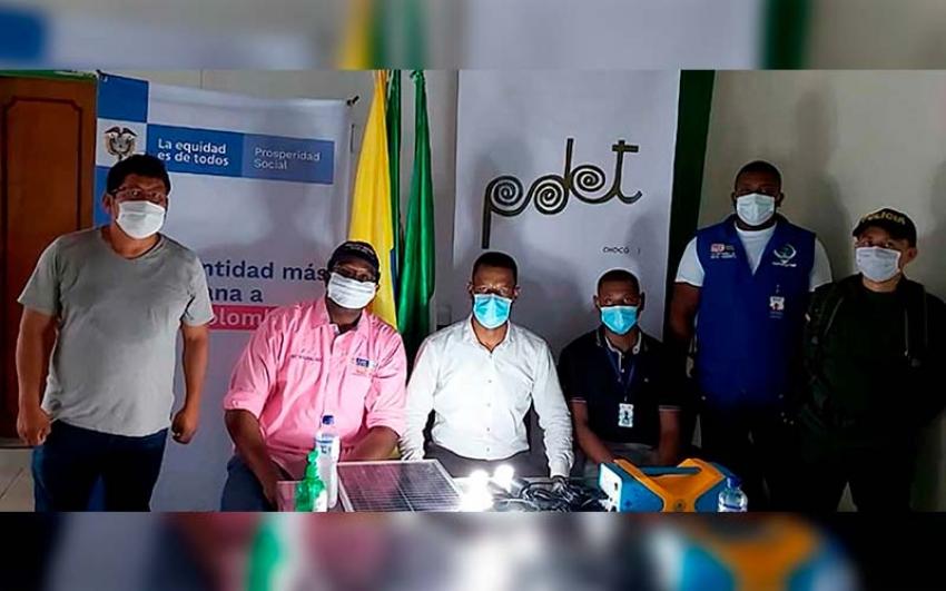 Gobierno chino donó 3.000 paneles solares para comunidades del Chocó