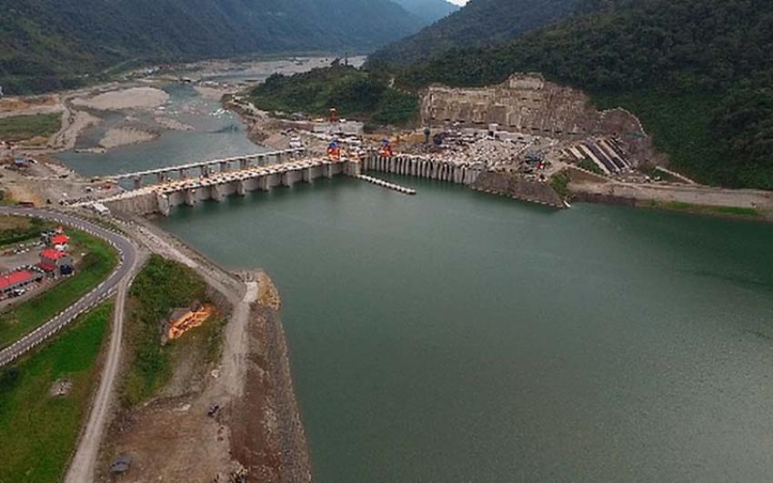 En Ecuador, Gobierno nacional recibe 2 centrales hidroeléctricas