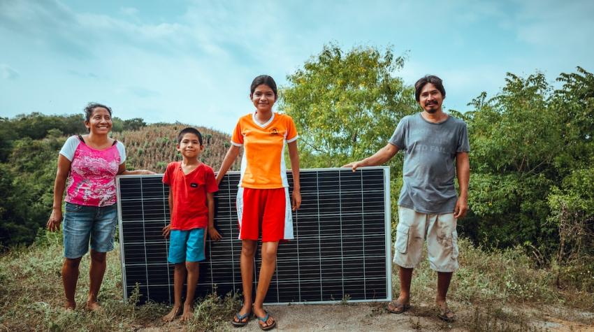 En México, compañía conectara con energía solar a más de 150 familias