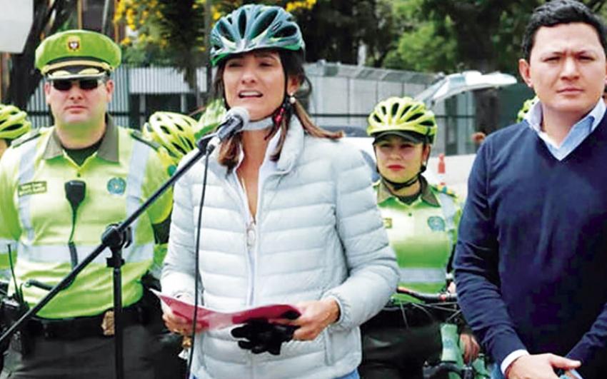 Colombia recibe donación para promover movilidad eléctrica.