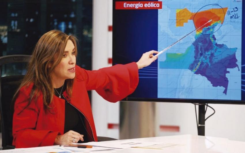 En sus primeros seis meses de Gobierno, MinEnergía impulsa las energías renovables y destina más regalías para las regiones.