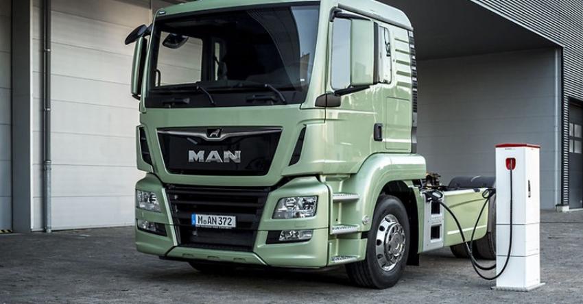 Mercado de cargadores de autobuses y camiones eléctricos sumará 870.000 millones de dólares hasta 2050